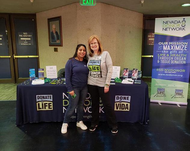 Volunteer-Massiel-and-Karen-NNV